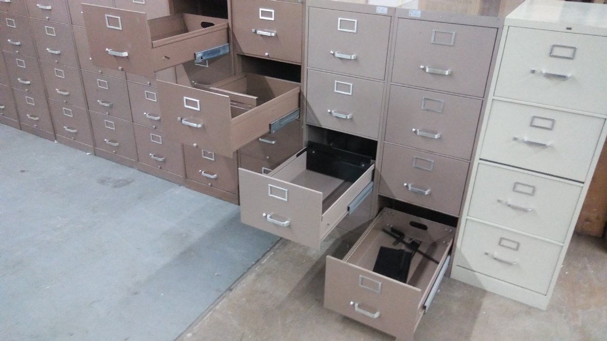 Image of: 4 Drawer Hon And Devon Vertical Legal Size File Cabinets Used