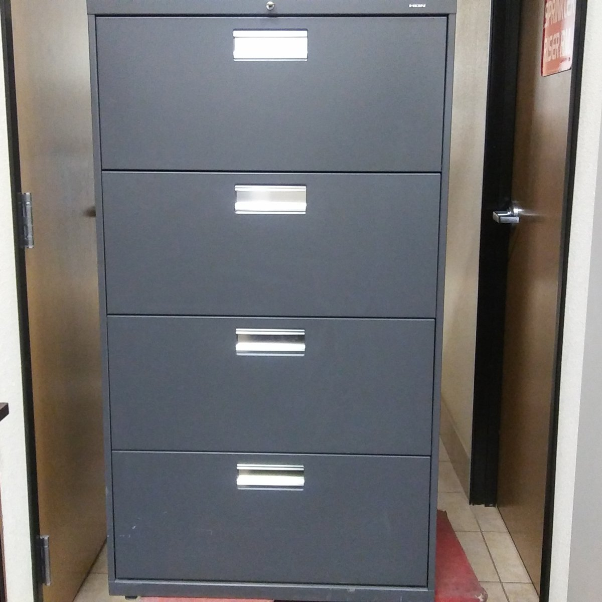 Hon 4 Drawer Lateral File Cabinet Used