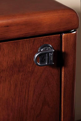 Sonoma - Single-key, full-locking pedestals standard