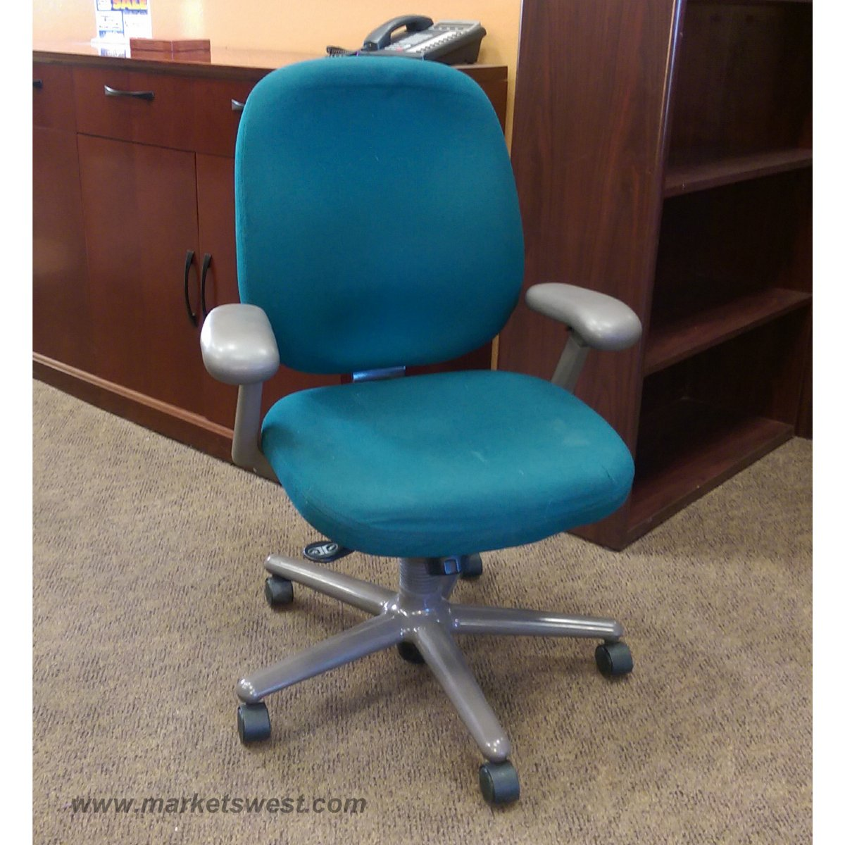 Miller Ergon Desk Chair with Arms Used