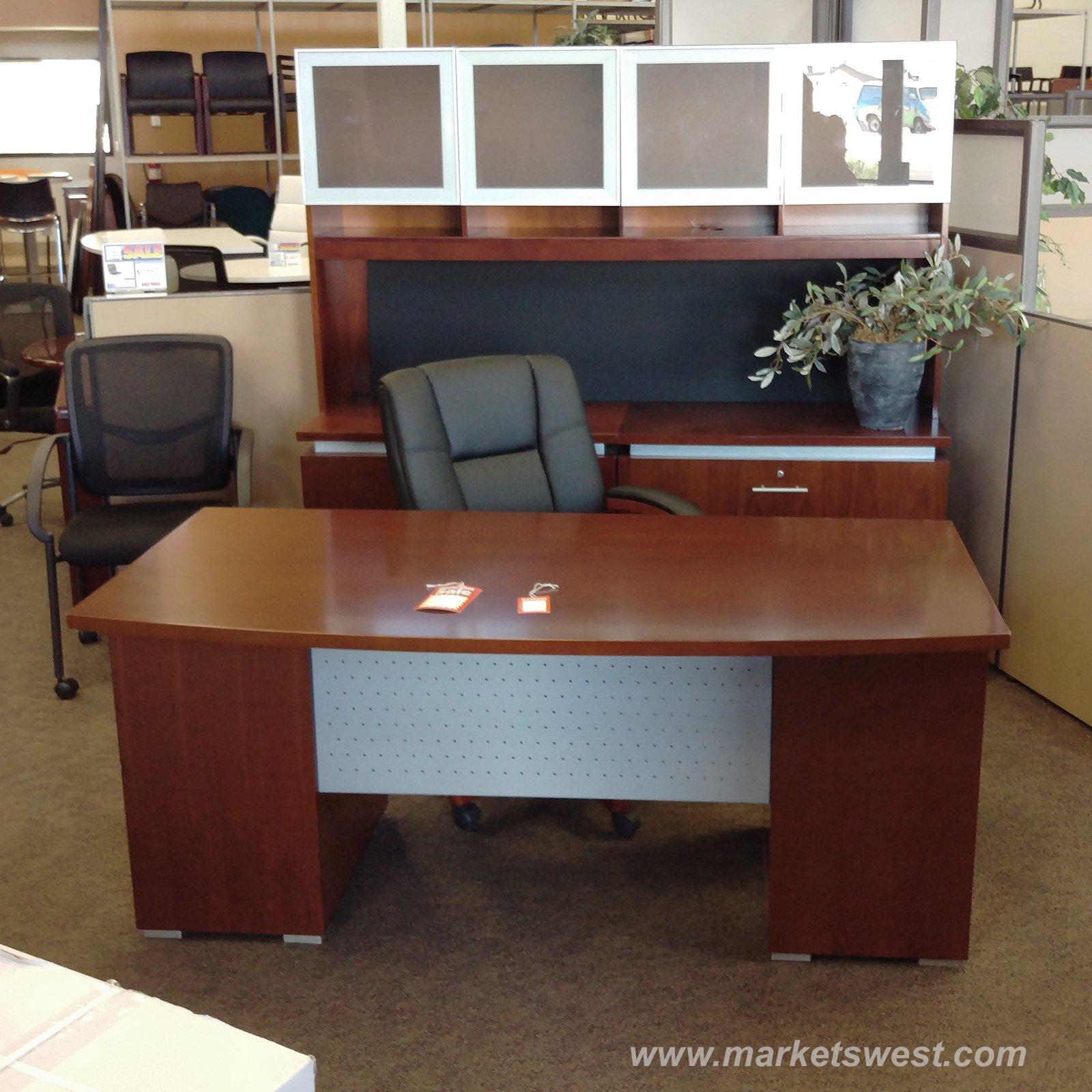 cherry wood veneer executive desk u0026 dual 2drawer lateral file credenza used